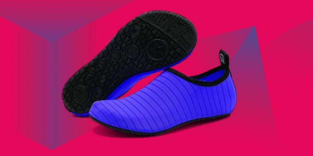 Amazon's bestselling water shoe is a sneaker-sock hybrid with over 10,900 near-perfect reviews – Yahoo Sports