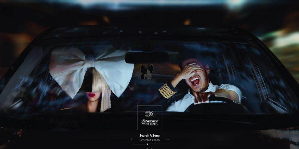 Una buena campaña para alertar sobre el peligro de usar la radio al volante