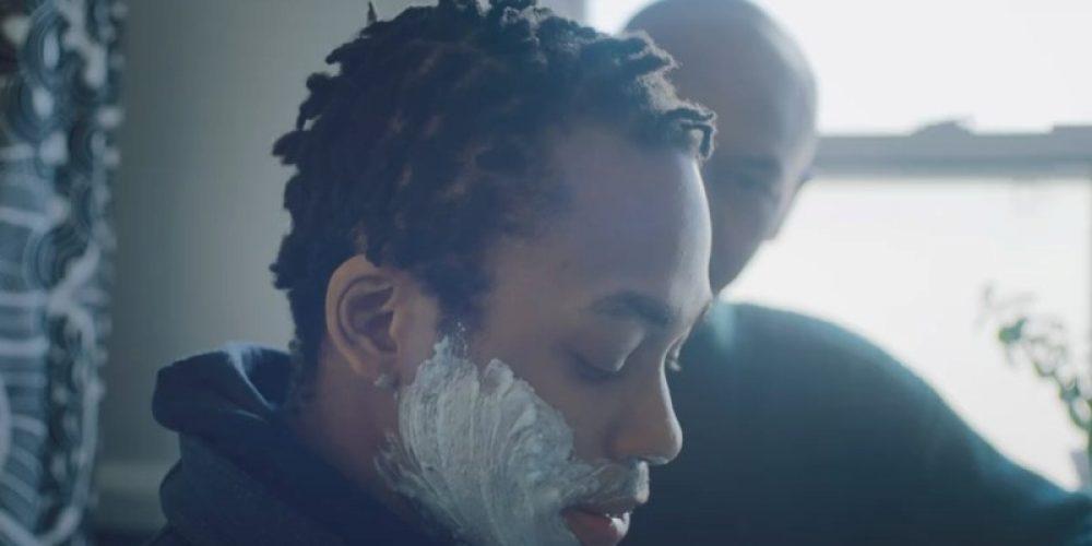Un padre enseña a su hijo trans a afeitarse en este emotivo anuncio de Gillette