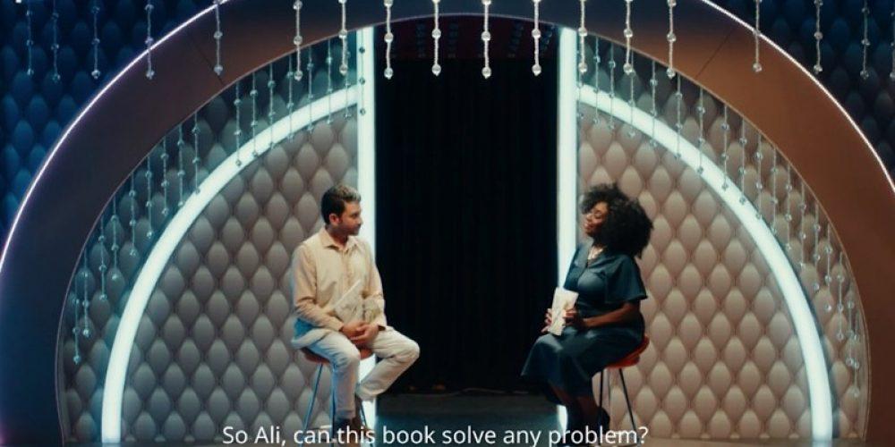 """IKEA presenta su catálogo como """"el libro que te cambiará la vida"""" en este anuncio de Emiratos Árabes Unidos"""