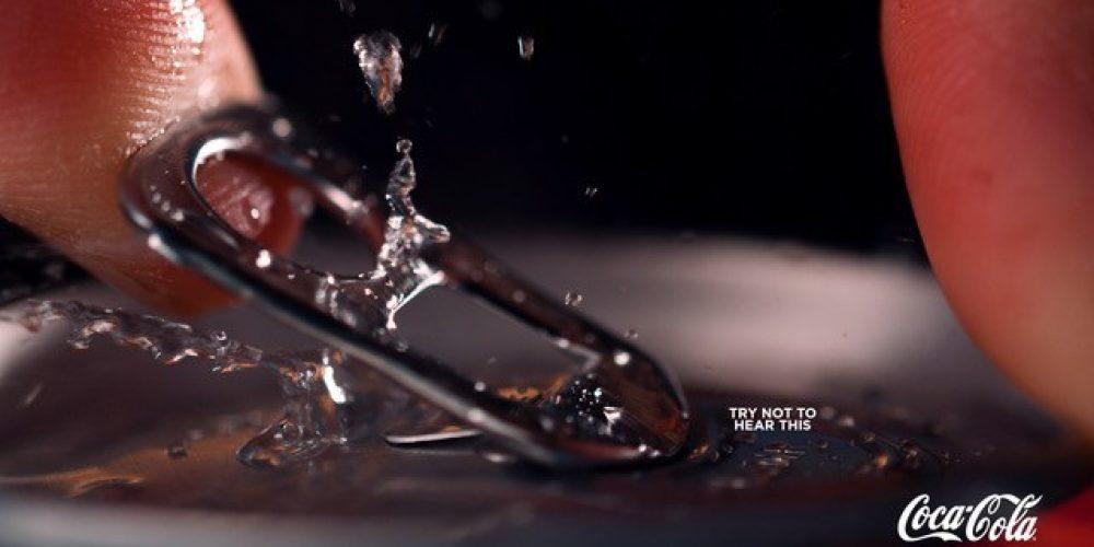 ¿Eres capaz de mirar estos anuncio gráficos de Coca-Cola sin escucharlos?