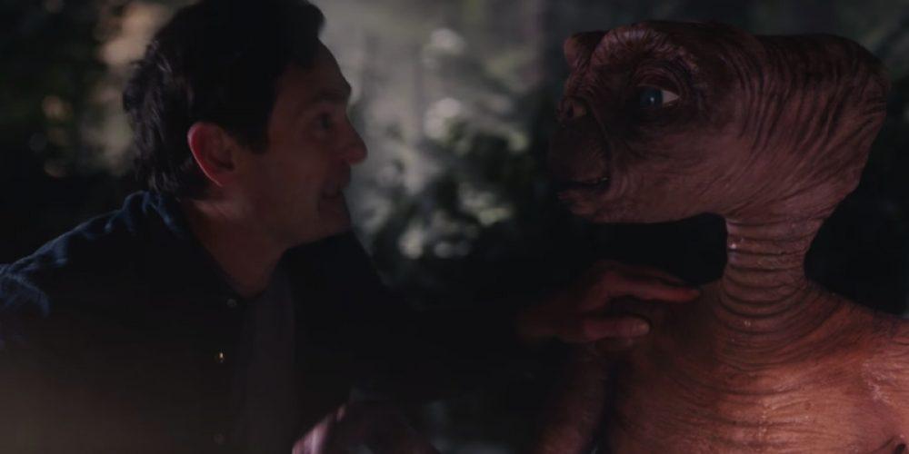 E.T. vuelve a la Tierra a reencontrarse con su amigo en este anuncio navideño