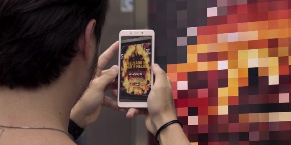 Burger King quema los anuncios de su competidor en su nueva campaña en Brasil