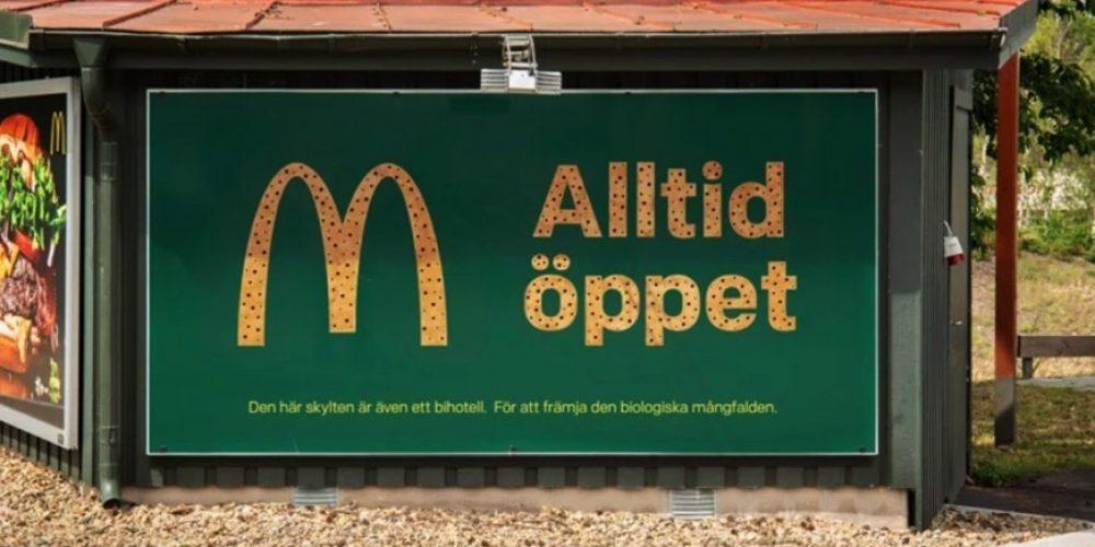 McDonald's convierte sus vallas publicitarias en hoteles para abejas en Suecia