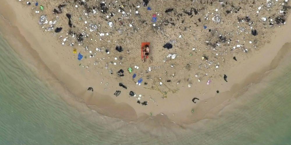 Pornhub ha rodado la película porno más sucia para ayudar a limpiar los océanos